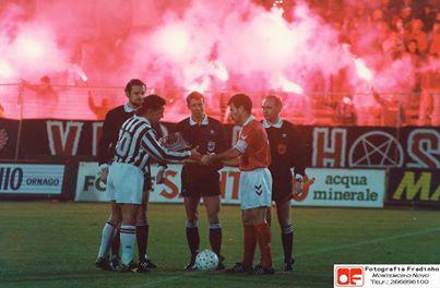 A última vez que Benfica e Juventus se defrontaram para a Europa aconteceu na Taça UEFA de 1992/1993. O Benfica ganhou o primeiro jogo (2-1) e perdeu o segundo (3-0). A Juventus viria a ganhar a Taça UEFA nesse ano