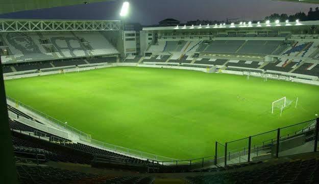 A casa do Vitória, Estádio Dom Afonso Henriques.  Fonte: vitoriasempre.net
