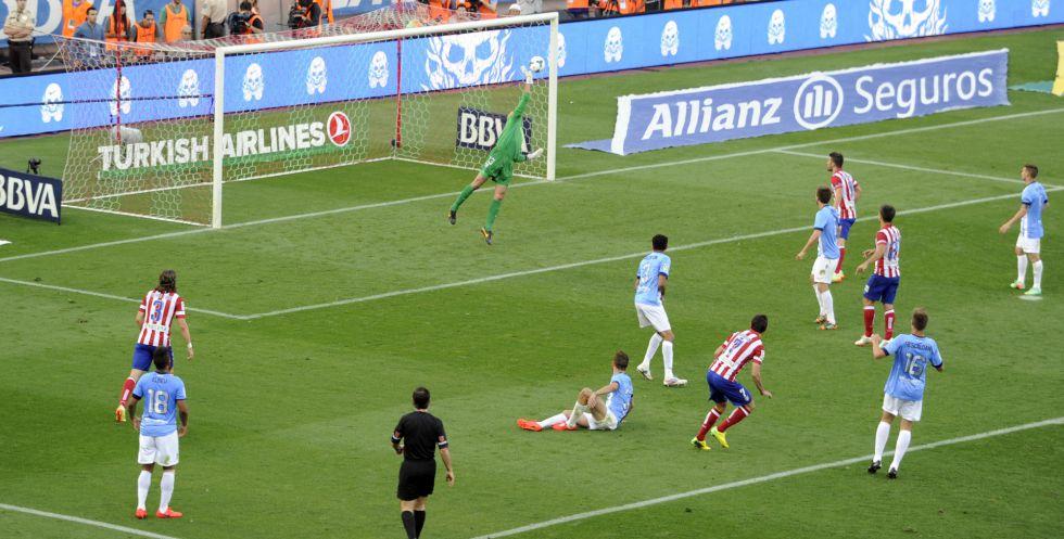 O momento que poderia ter dado o título ao Atlético Fonte: Marca