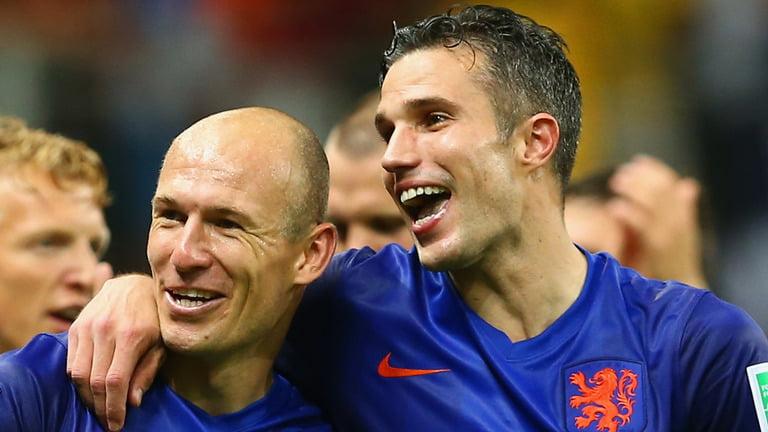 Robben e Van Persie comandam uma Holanda surpreendente  Fonte: Vavel