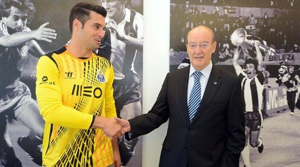 Andrés Fernandez também pode espreitar um lugar no onze de Lopetegui  Fonte: fcporto.pt