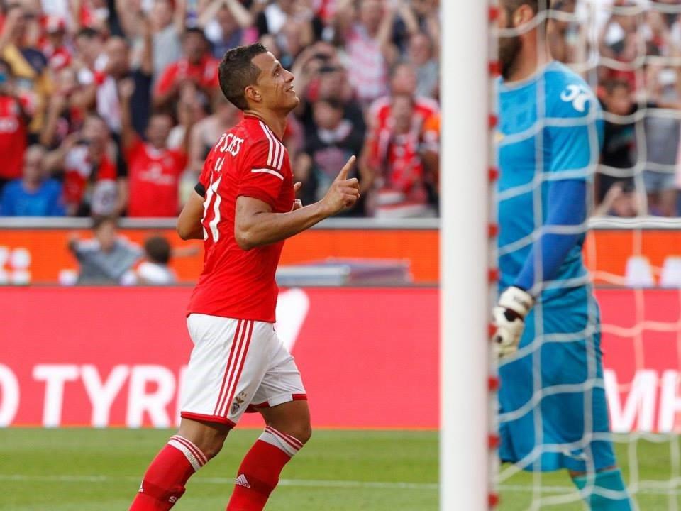 Lima de regresso aos golos, para seu próprio alívio Fonte: Facebook do Sport Lisboa e Benfica