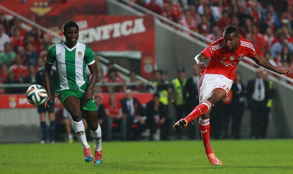 Num Benfica desinspirado vai valendo Talisca Fonte: Sport Lisboa e Benfica
