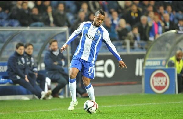 Hernâni estreou-se a jogar de azul e branco e esteve perto do golo  Fonte: fcporto.pt