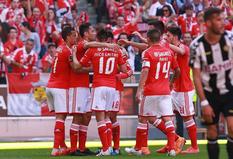 Equipa unida rumo ao 34 Fonte: Facebook do Benfica