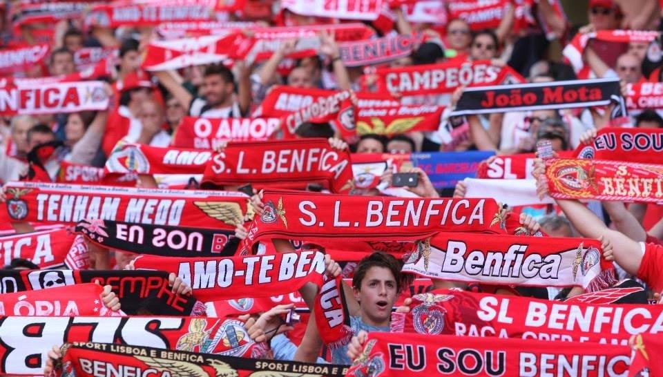 Nação benfiquista em suspenso, união tremenda;  Fonte: Facebook do Sport Lisboa e Benfica