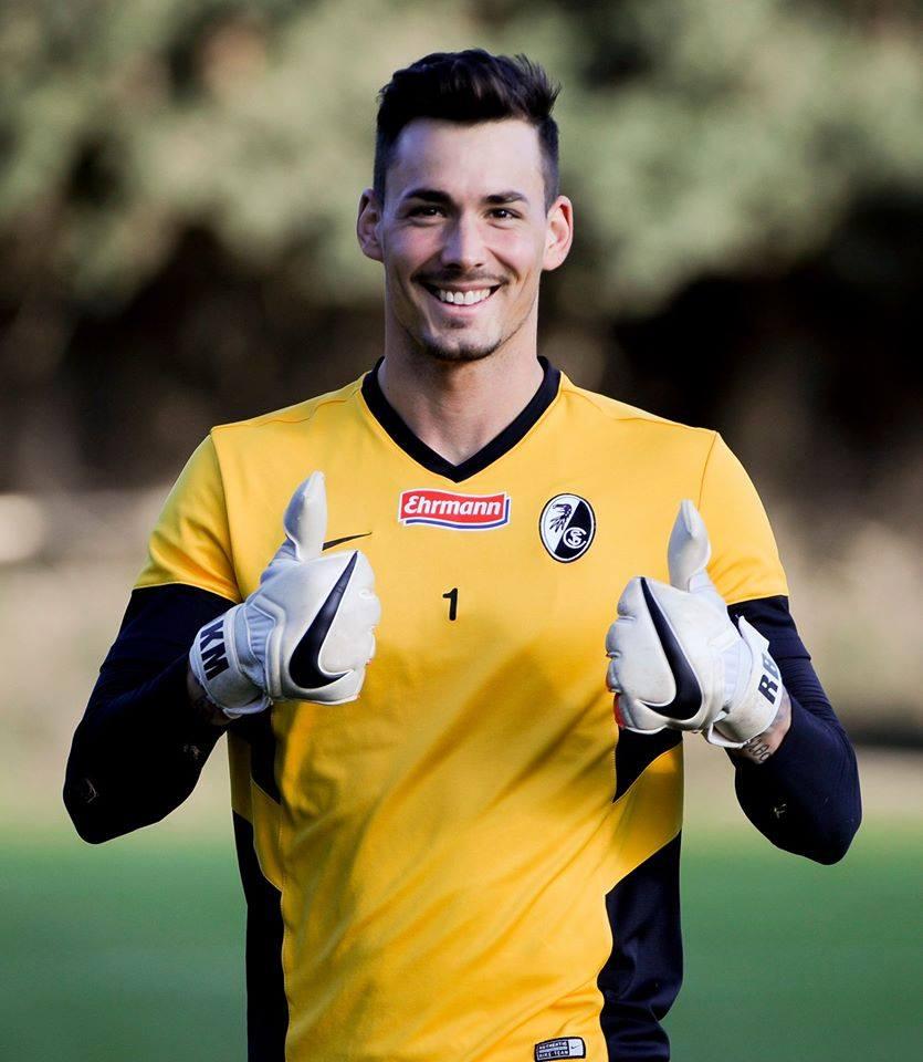 Bürki foi uma das revelações da Bundesliga Fonte: Facebook de Roman Bürki