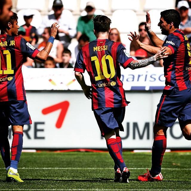 Sempre a somar: Messi, Suárez e Neymar levam 108 golos na presente época Fonte: Facebook do Barcelona