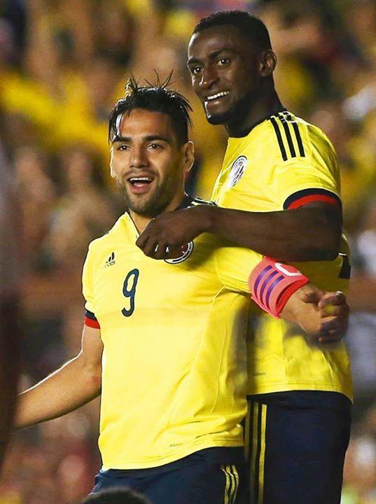 Jackson e Falcao alinharam lado a lado nos últimos 7 minutos de jogo, mas não conseguiram alcançar o empate Fonte: Facebook Jackson Martinez