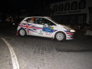 O piloto da Peugeot inglesa lidera entre os juniores