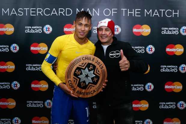 Neymar foi o melhor jogador em campo Fonte: Facebook Oficial da Copa América'2015