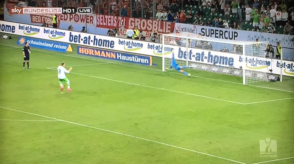 O momento que deu a Supertaça ao Wolfsburg Fonte: Facebook oficial da Bundesliga