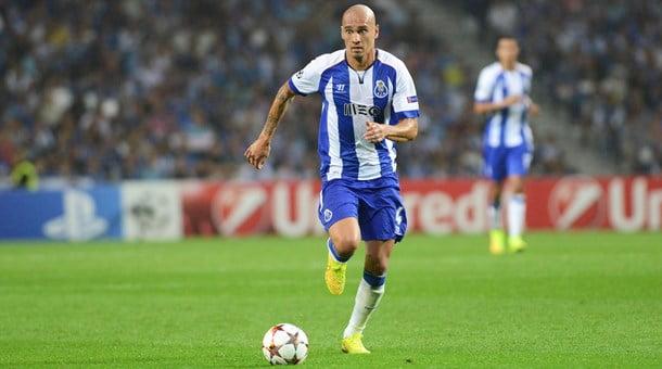 Maicon voltou a fazer o gosto ao pé… de livre Fonte: Facebook do FC Porto