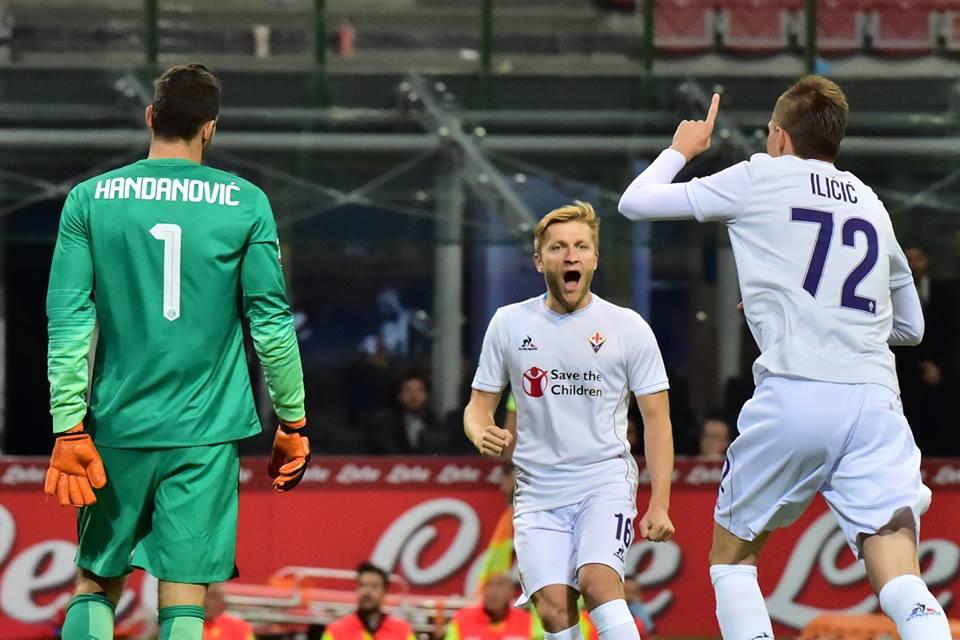 Jogadores viola festejam um dos quatro golos com que golearam o Inter Fonte: Facebook da Liga Europa