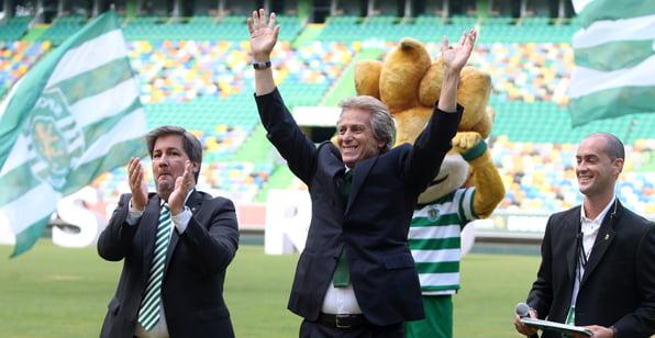 """Um treinador de sonho na sua """"cadeira de sonho"""" Fonte: Sporting CP"""