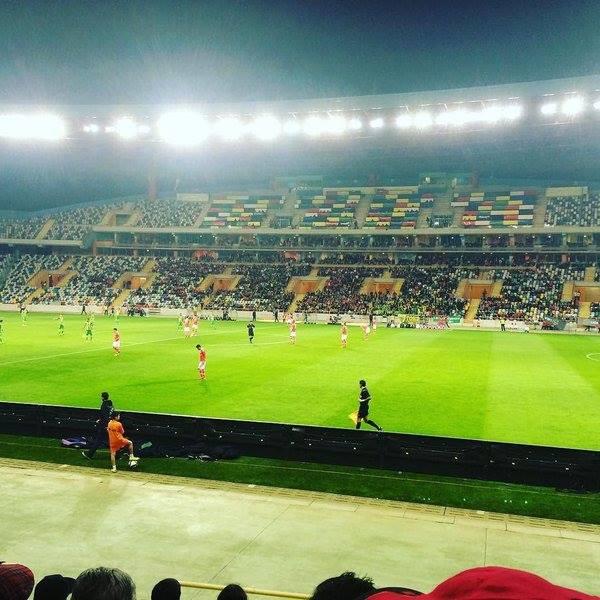 Estádio de Aveiro muito despido de público no passeio encarnado; Fonte: Facebook do Sport Lisboa e Benfica