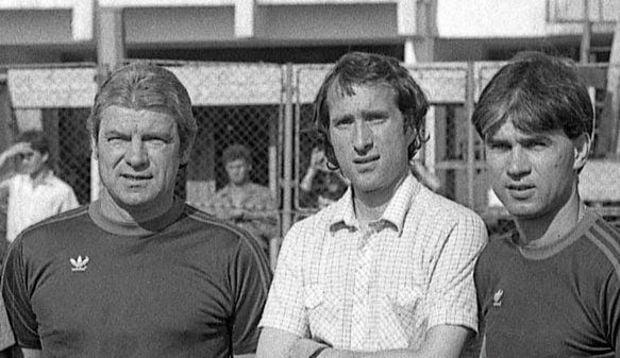 Valentin Ceausescu, ao meio, com Anghel Iordanescu e Emerich Jenei num treino do FC Steaua Bucuresti em 1986 Fonte: Puterea