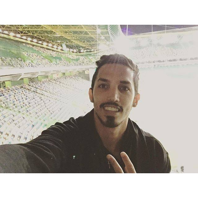 Ezequiel Schelotto tem sido incansável no apoio à sua equipa através das redes sociais Fonte: Facebook Oficial de Ezequiel Schelotto