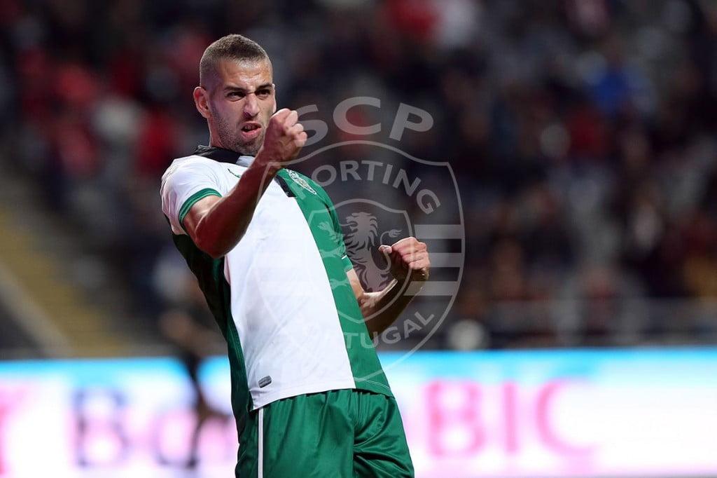 Vou confessar uma coisa: Ele deu uma ajuda a enfeitar as vossas prendas Fonte: Sporting CP