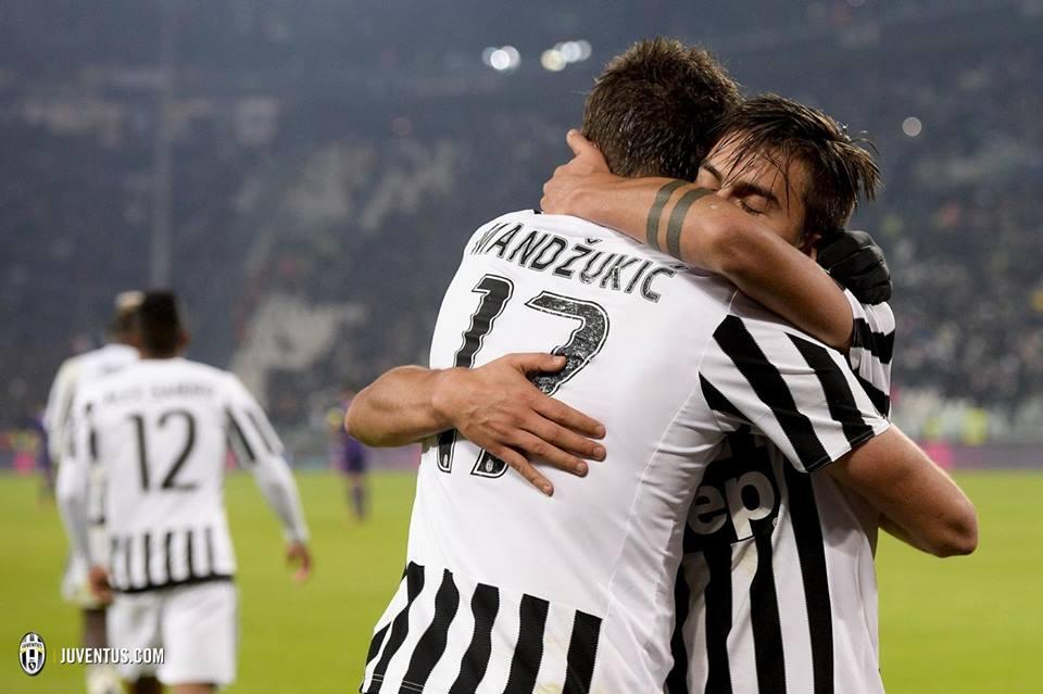 Mandzukic e Dybala, dupla atacante da Juventus na festa do golo Fonte: Juventus FC