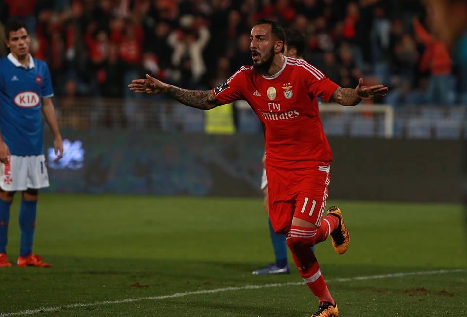 Mitroglou continua de pé quente Fonte SL Benfica