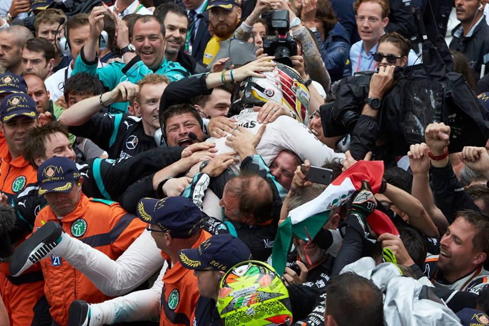 Hamilton garantiu a primeira vitória do ano Fonte: Mercedes AMG Petronas