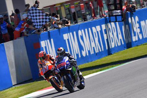 19milésimas de segundo a carimbar a vitória de Lorenzo  Fonte: Moto GP