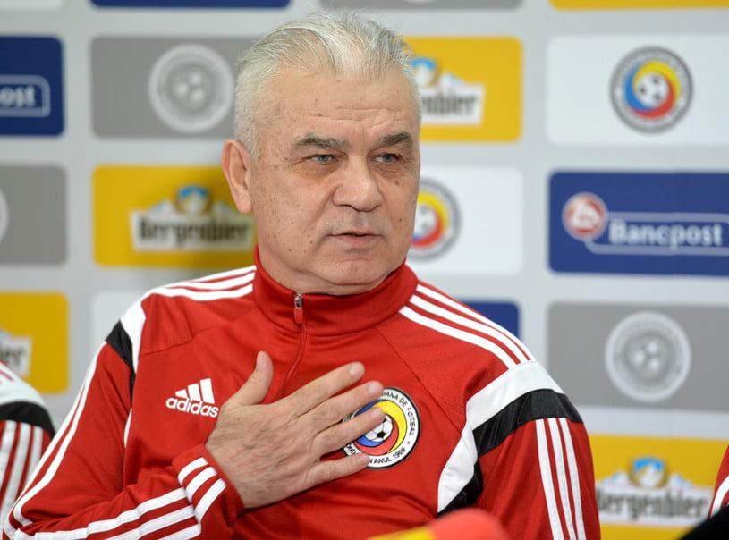 Anghel Iordanescu é o responsável pelo destino da Roménia Fonte: UEFA