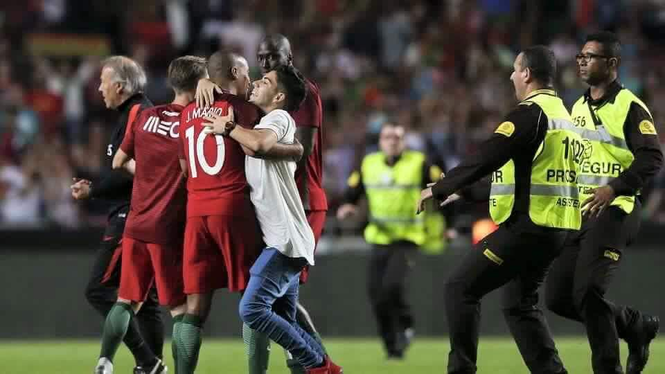 Um dos bons momentos do jogo de ontem Fonte: Facebook Oficial de João Mário