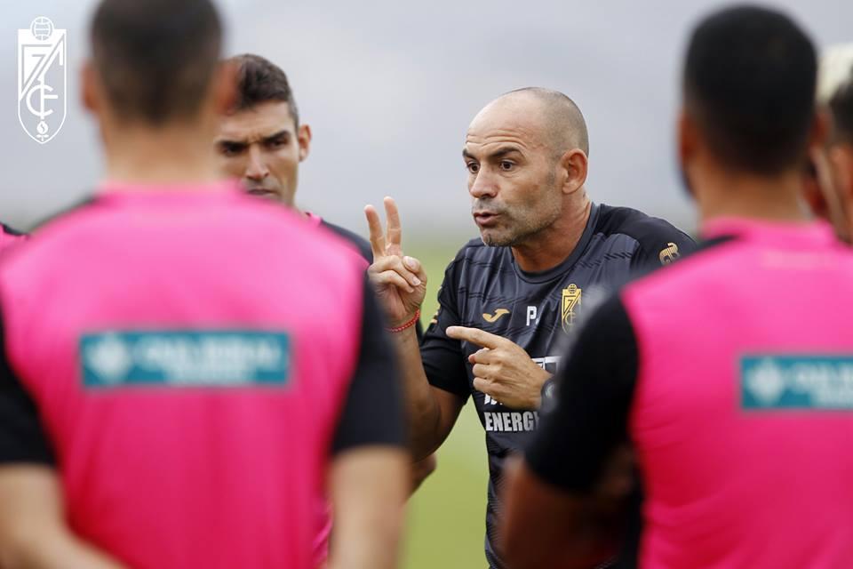 Jémez não teve muito tempo para passar as suas ideias aos jogadores Fonte: Granada CF