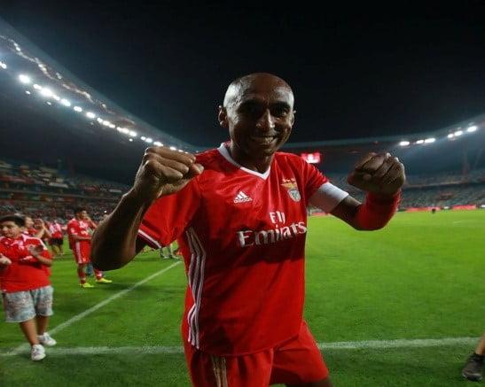 Luisão assumiu a titularidade depois da catástrofe em Nápoles Fonte: SL Benfica