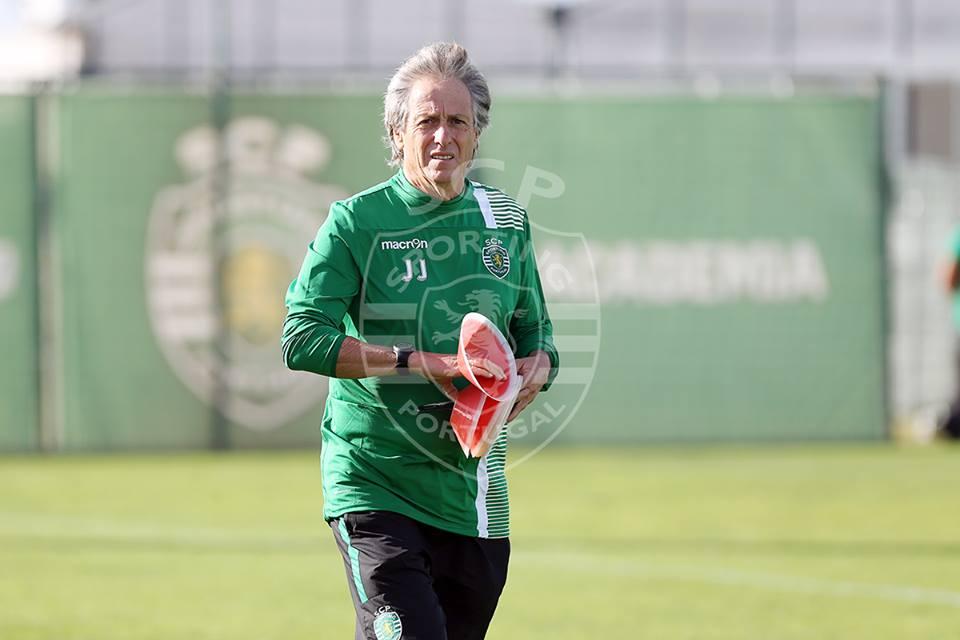 Jorge Jesus continua a sentir dificuldades nesta temporada Fonte: Sporting CP